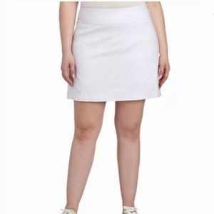 Attyre Plus Size Katherine Button Hem Skort